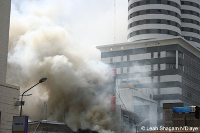 Thick smoke coming out of the Nakumatt Downtown building in Nairobi. Picture by The Nakumatt Downtown fire captured as it began on the afternoon of Wednesday 28th January, 2008. Picture by Leah Shagam N'Diaye