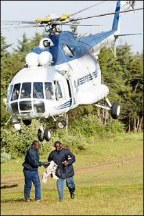 A Kenya Police Mi-17 helicopter. Picture by Military Photos.net