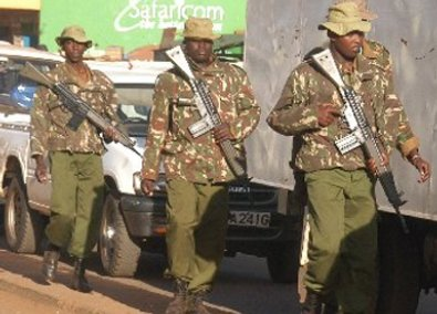 Paramilitary police from the Rapid Deployment Unit in an anti-Mungiki patrol in Nyeri. Picture by the Daily Nation.